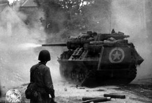 """M10 """"Wolverine"""" tank destroyer"""
